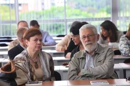 Tiziana Polesel, exdirectora de la Escuela de Comunicación Social de la UCAB y Marcelino Bisbal, director de AB Ediciones